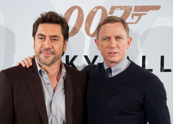 MADRID, SPAIN - OCTOBER 29:  Actors Javier Bardem (L) and Daniel Craig (R) attend the 'Skyfall' photocall at the Villamagna H