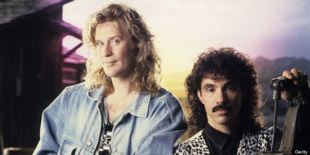 NEW YORK - JANUARY 01:  Singers John Oates and Daryl Hall pose for photographs circa 1989 in New York City.  (Photo by Larry