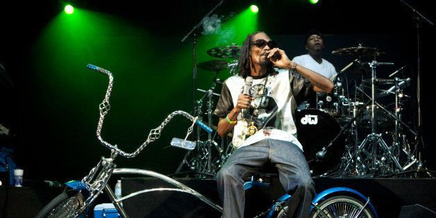 IRVINE, CA - OCTOBER 12:  Snoop Lion performs at 'How The West Was Won' tour at Verizon Wireless Amphitheater on October 12,