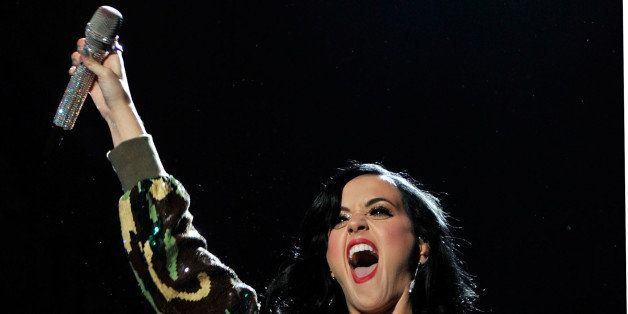 Singer Katy Perry performs onstage during 'VH1 Divas Salute the Troops' presented by the USO at the MCAS Miramar on December