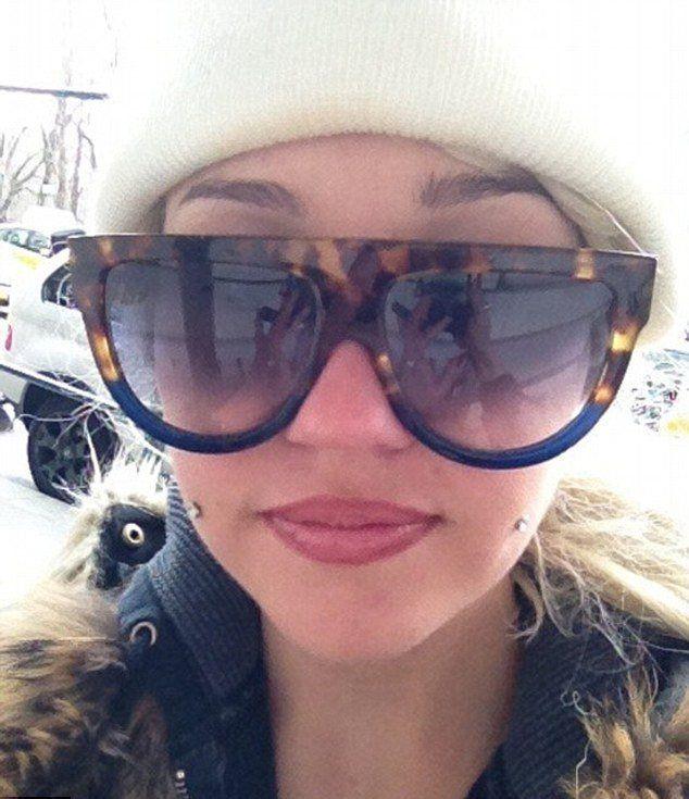 Amanda Bynes has her dimples pierced.