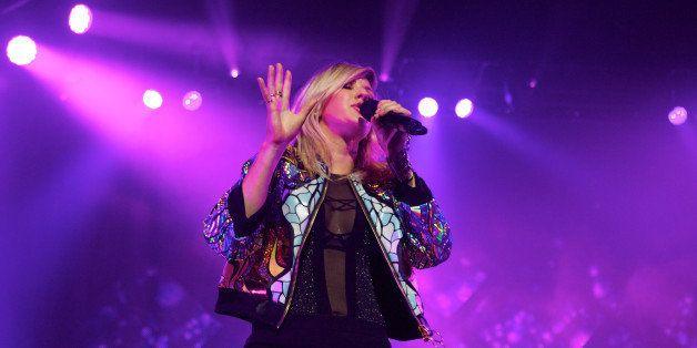 OSLO, NORWAY - FEBRUARY 01: Ellie Goulding performs at Oslo Spektrum on February 1, 2014 in Oslo, Norway. (Photo by Ragnar Si