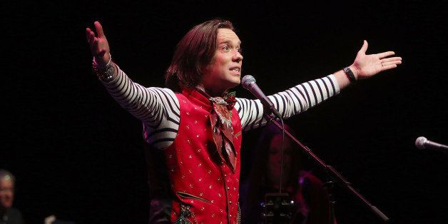 WESTWOOD, CA - DECEMBER 21:  Rufus Wainwright performs at the UCLA Christmas 101 Gala at Royce Hall, UCLA on December 21, 201