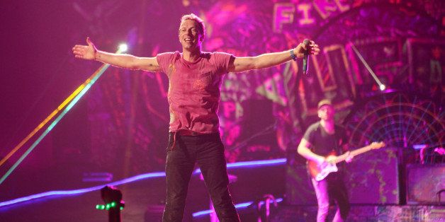 NEW YORK, NY - DECEMBER 31:  Chris Martin of Coldplay performs at Barclays Center on December 31, 2012 in the Brooklyn boroug