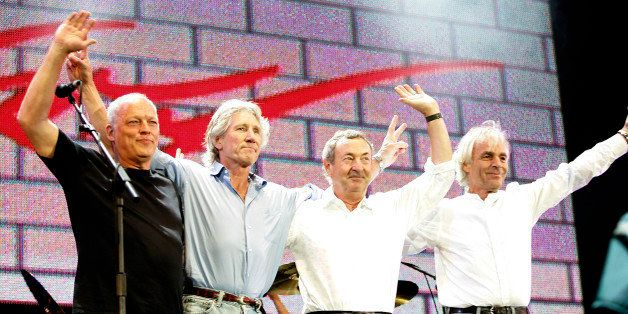 LONDON - JULY 02:  (L to R)  David Gilmour, Roger Waters, Nick Mason and Rick Wright from the band Pink Floyd on stage at 'Li