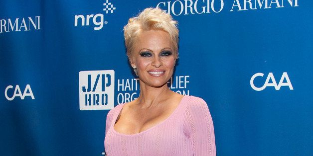 LOS ANGELES, CA - JANUARY 11:  Pamela Anderson arrives at the 3nd Annual Sean Penn & Friends HELP HAITI HOME Gala Benefiting
