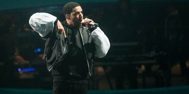 LONDON, ENGLAND - MARCH 24:  Drake performs at O2 Arena on March 24, 2014 in London, England.  (Photo by Ian Gavan/Getty Imag