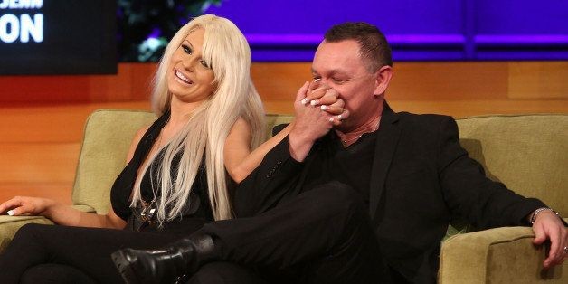 CULVER CITY, CA - AUGUST 08:  TV personalities Courtney Stodden and Doug Hutchison attend the VH1 'Couples Therapy' With Dr.