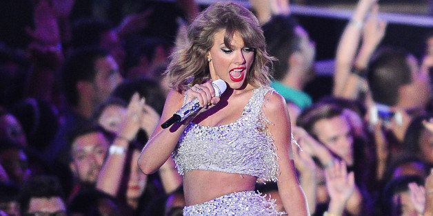 INGLEWOOD, CA - AUGUST 24:  Taylor Swift performs onstage at the 2014 MTV Video Music Awards at The Forum on August 24, 2014