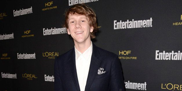 Josh Thomas arrives at Entertainment Weekly's Pre-Emmy Party sponsored by L'Oreal Paris and Hearts On Fire at Fig & Oli