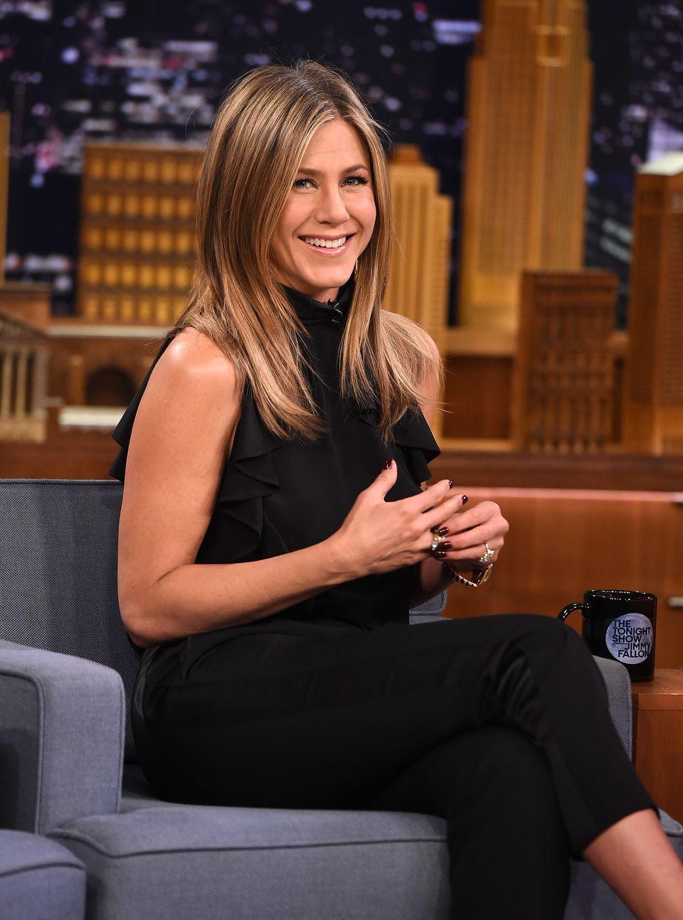 NEW YORK, NY - JANUARY 21:  Jennifer Aniston Visits 'The Tonight Show Starring Jimmy Fallon' at Rockefeller Center on January