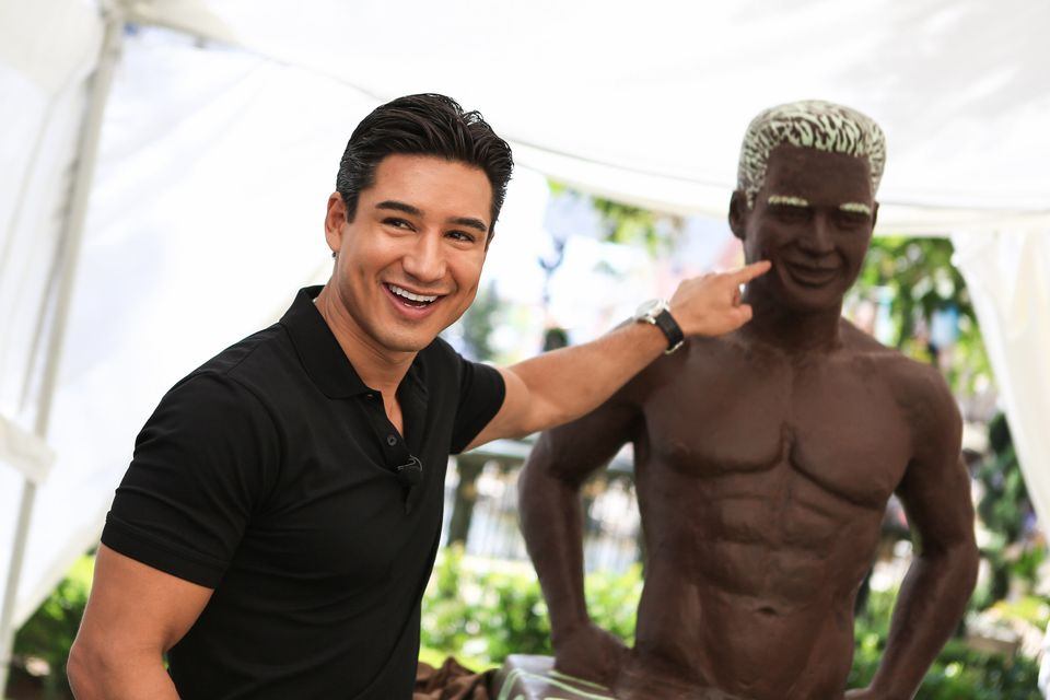 LOS ANGELES, CA - AUGUST 01:  Celebrity TV host, actor and heartthrob Mario Lopez unveils a chocolate statue of himself, scul
