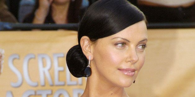 Charlize Theron during 2005 Screen Actors Guild Awards - Arrivals at The Shrine in Los Angeles, California, United States. (P