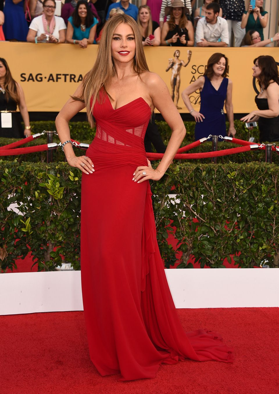 Sofia Vergara arrives at the 21st annual Screen Actors Guild Awards at the Shrine Auditorium on Sunday, Jan. 25, 2015, in Los