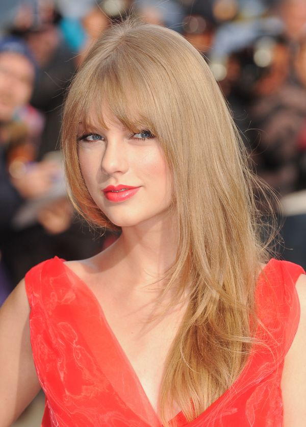 And then, BOOM! The bangs were back, and so was her straight hair.