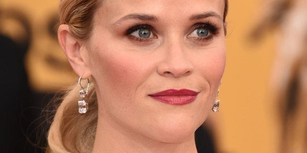 Reese Witherspoon arrives at the 21st annual Screen Actors Guild Awards at the Shrine Auditorium on Sunday, Jan. 25, 2015, in