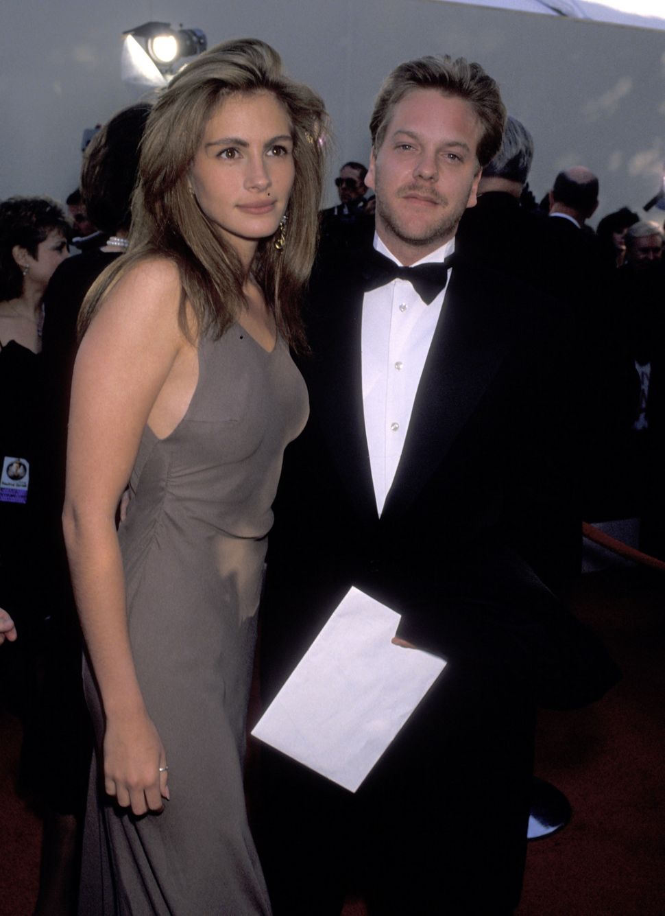 Julia Roberts and Kiefer Sutherland at the 62nd annual Academy Awards in 1990.