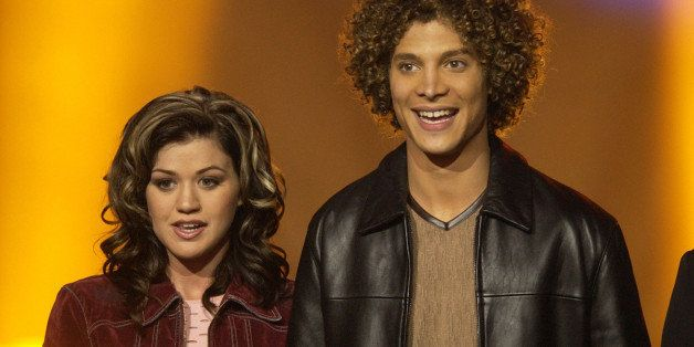 Kelly Clarkson & Justin Guarini during 'American Idol' Season 1 Finale - Results Show at Kodak Theatre in Hollywood, Californ