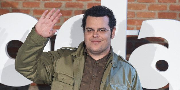 MADRID, SPAIN - FEBRUARY 05:  Actor  Josh Gad attends 'El Guru de las Bodas' (The Wedding Ringer) photocall at the Cineteca c