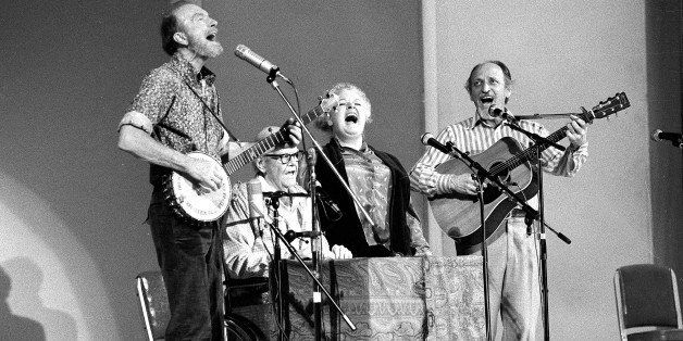 CORRECTS THE FIRST NAME OF  GILBERT'S PARTNER TO DONNA - FILE - In this Nov. 28, 1980, file photo, The Weavers perform in a 2