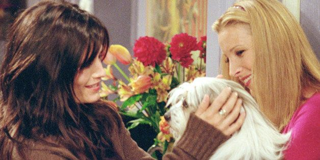 385848 12: Actors (l-r): Courteney Cox Arquette as Monica Geller and Lisa Kudrow as Phoebe Buffay star in NBC's comedy series