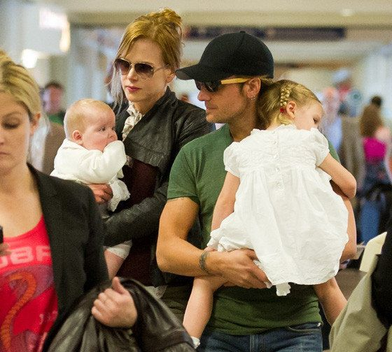 Nicole Kidman & Keith Urban Out With Daughters (PHOTOS ...