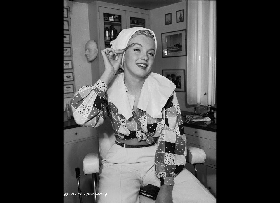 1948: American film star Marilyn Monroe (1926 - 1962), born Norma Jean Mortensen in Los Angeles, begins the process of applyi