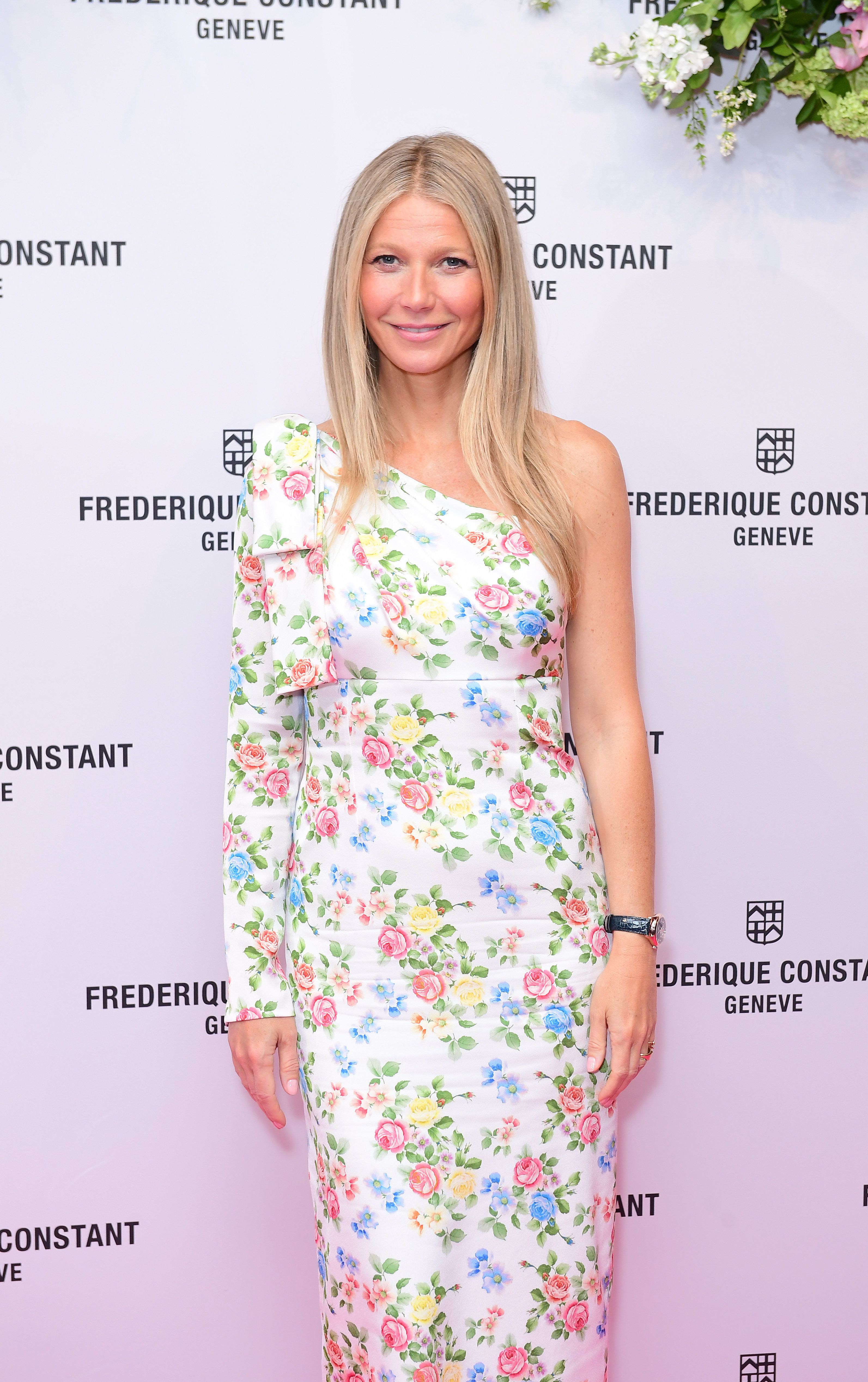 Gwyneth Paltrow poses during an eventat the Design Museum in
