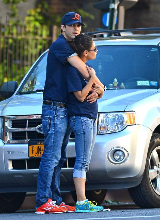 kutcher dating kunis sarah foret dating