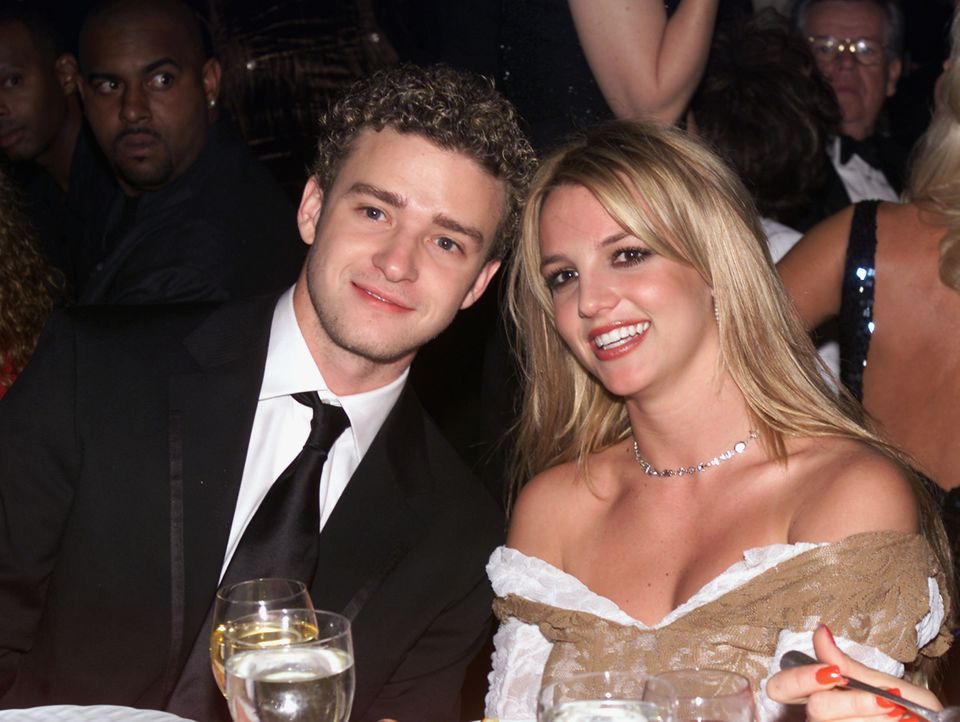 "Justin never would have <a href=""http://www.justjared.com/2009/05/10/justin-timberlake-britney-spears-snl/"">done that SNL ski"