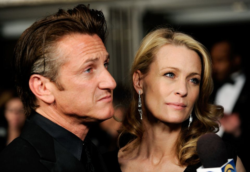 Sean and Robin got together in 1990, had two kids then got married in 1996. Their divorce was finalized in 2010.