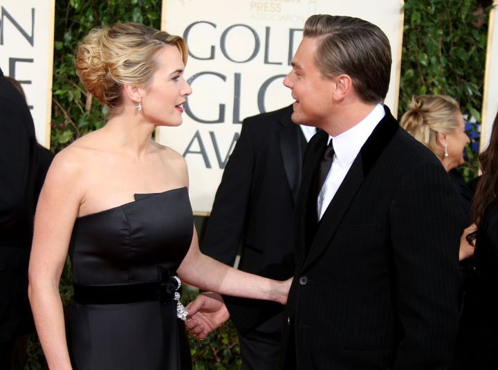 BEVERLY HILLS, CA - JANUARY 11:  Actors Kate Winslet (L) and Leonardo DiCaprio arrives at the 66th Annual Golden Globe Awards