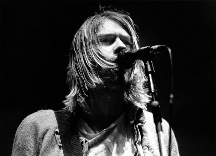 ITALY - FEBRUARY 21:  Photo of Kurt COBAIN and NIRVANA; Kurt Cobain performing live onstage at Palasport, Modena  (Photo by R