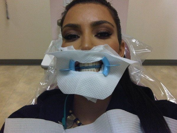 """<a href=""""http://twitpic.com/syuwd"""" target=""""_blank"""">""""At the dentist for a good teeth cleaning! This is serious!""""</a>"""