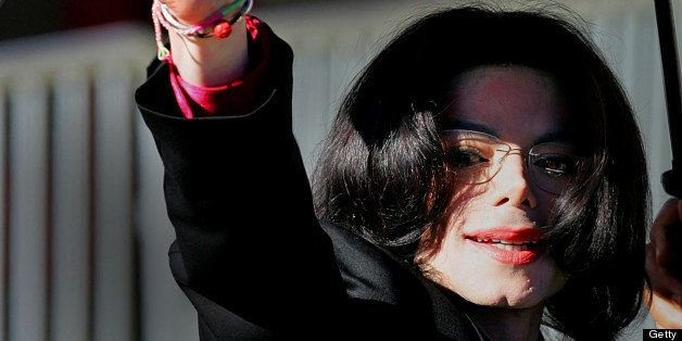 SANTA MARIA - FEBUARY 1:  Singer Michael Jackson arrives for the second day of jury selection in his trial on 9 counts of chi