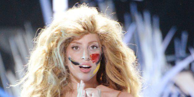 Lady Gaga Naked Stretching Before Vmas  Huffpost-2681