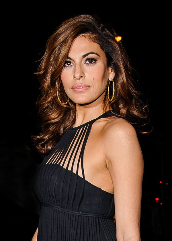 "Mendes, who went to rehab in 2008, <a href=""http://www.huffingtonpost.com/2008/07/07/eva-mendes-opens-up-on-su_n_111227.html"""