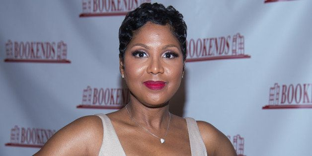 RIDGEWOOD, NJ - MAY 21:  Toni Braxton signs copies of her book 'Unbreak My Heart: A Memoir' at Bookends Bookstore on May 21,
