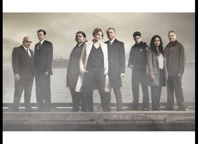 "<strong>""<a href=""http://www.aoltv.com/show/alcatraz/8677890"" target=""_hplink"">Alcatraz</a>"" (8 p.m. EST, Fox) two-hour serie"
