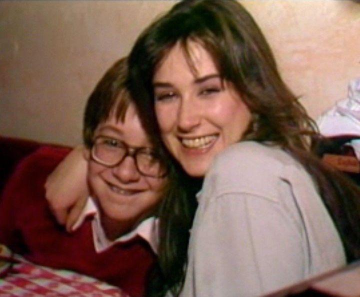 Demi Moore Kisses Young 'General Hospital' Co-Star Philip ...
