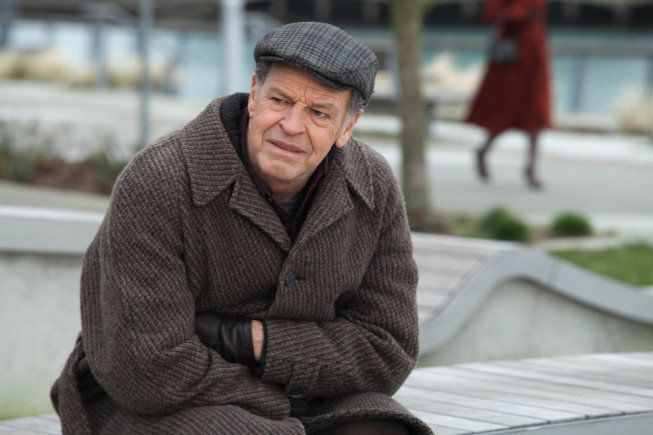 Fringe' Star John Noble Talks Episode 19, 'Letters of Transit