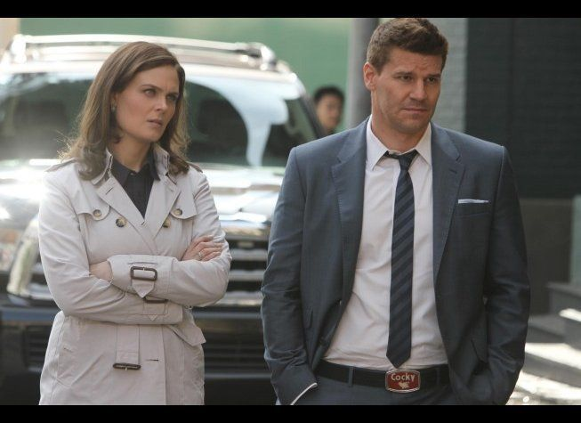 """""""Bones"""" (8 p.m. ET on Fox)   The corpse of a truck company employee is found in the middle of the woods. After the victim's"""