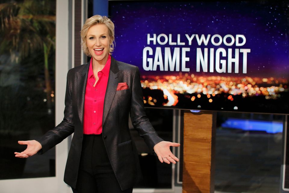 """Hollywood Game Night"" exclusive sneak peek: Can you guess which celebrities kids have drawn for their game Lil' Picassos? Cl"