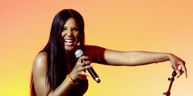 BEVERLY HILLS, CA - MAY 09:  Singer Toni Braxton performs at the 13th Annual Lupus LA Orange Ball at the Beverly Wilshire Hot