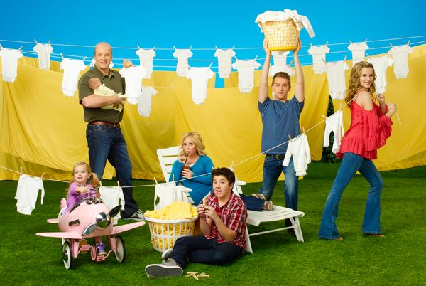 "<a href=""http://www.huffingtonpost.com/2013/06/12/good-luck-charlie-canceled_n_3427819.html"">Disney Channel's hit show will e"