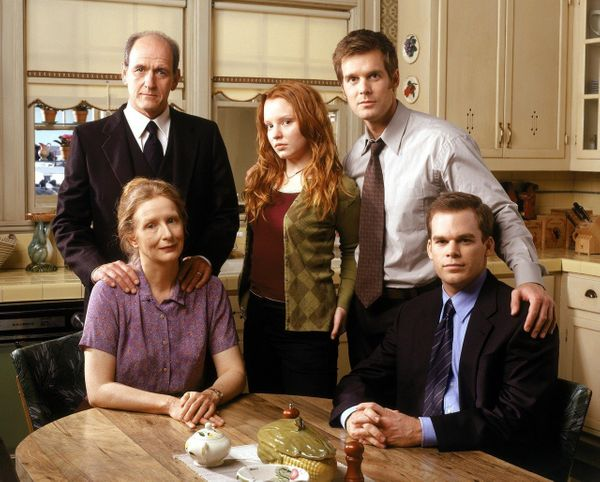 """Six Feet Under"" isn't the typical family-oriented show, but the Fishers proved that your blood relatives will help you in li"