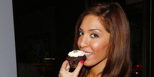 NEW YORK, NY - JANUARY 14:  (EXCLUSIVE COVERAGE) Farrah Abraham poses with cupcakes from Drunken Ladycakes at MTV's 'The Real