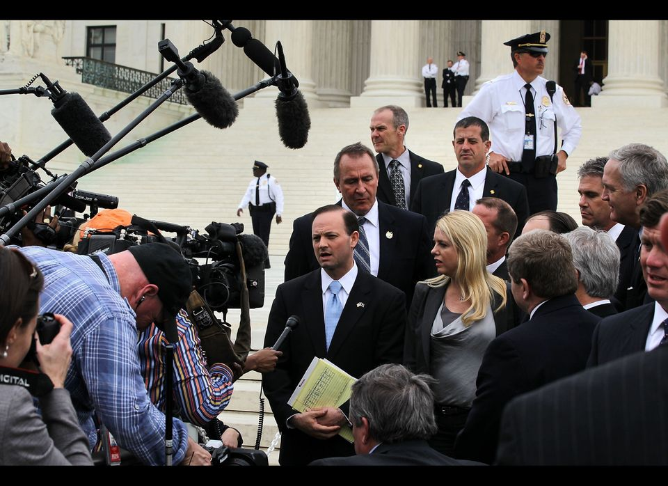 WASHINGTON, DC - MARCH 28:  Florida Attorney General Pam Bondi and other 25 states attorney generals who are also the plainti