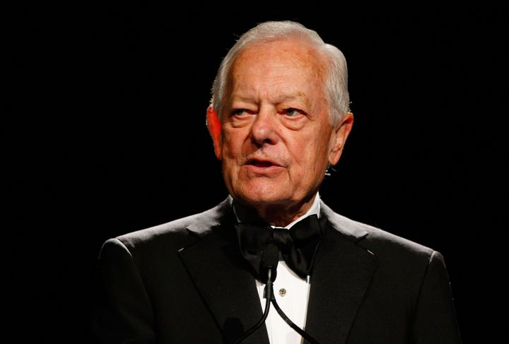 NEW YORK - JUNE 03:  Journalist Bob Schieffer speaks on stage during the 34th Annual AWRT Gracie Awards Gala at The New York