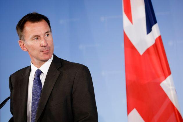 Το Ηνωμένο Βασίλειο κατηγορεί την στρατιωτική υπηρεσία πληροφοριών της Ρωσίας για σωρεία